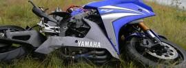 Verongelukte Motor Langs de Weg